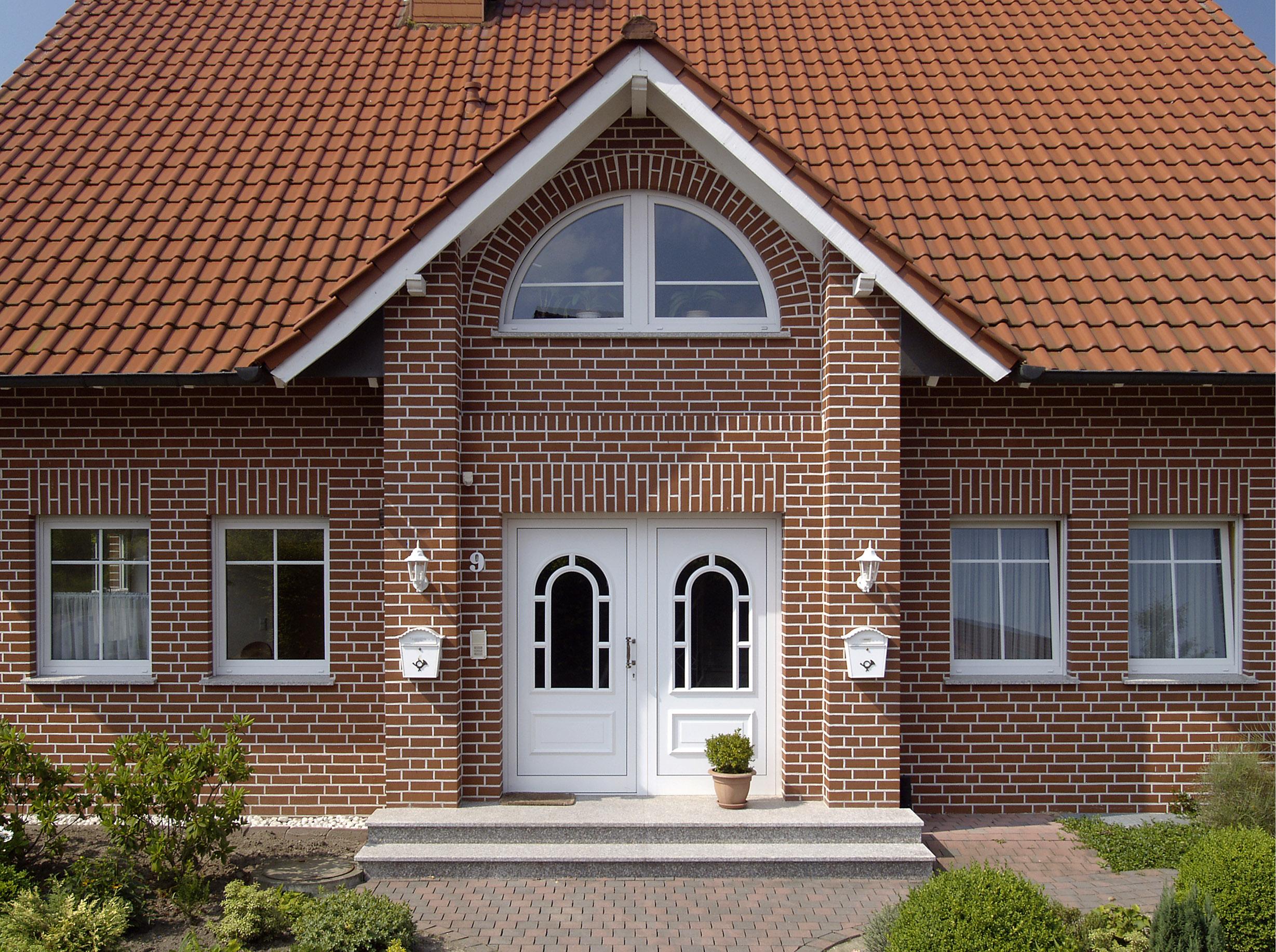 фото фасадов домов из облицовочного кирпича