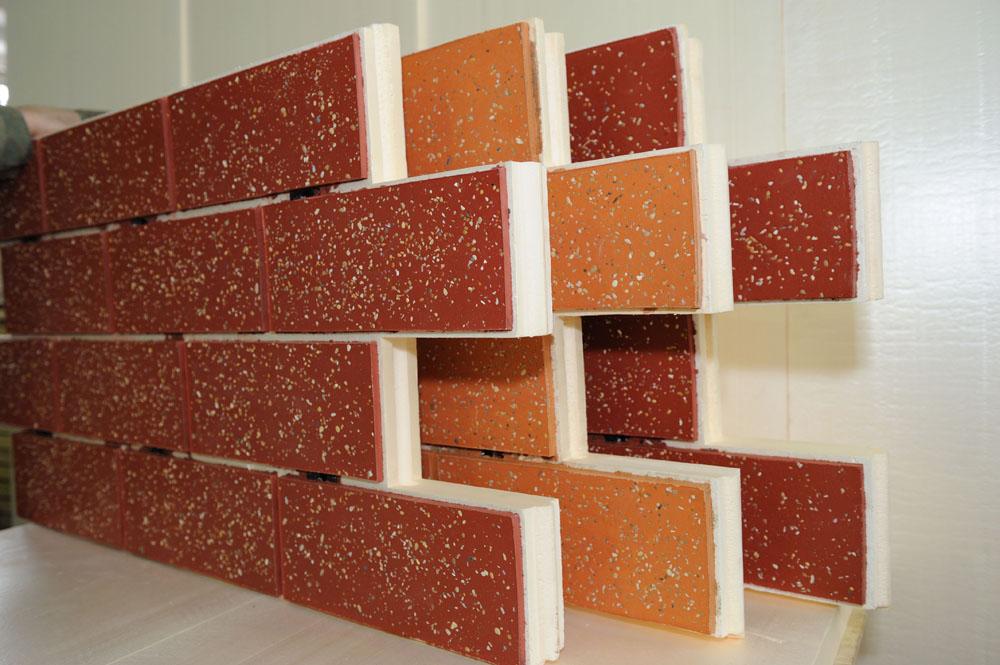 Термопанели – вариант для одновременного утепления и защиты фасада
