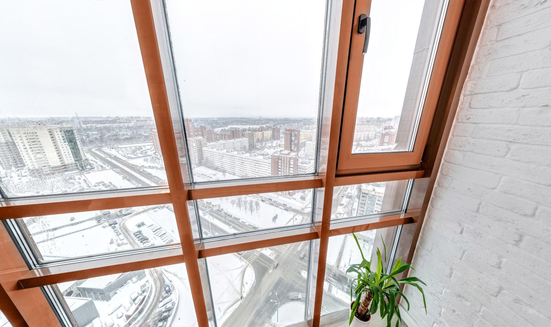 Утепленное остекление балкона