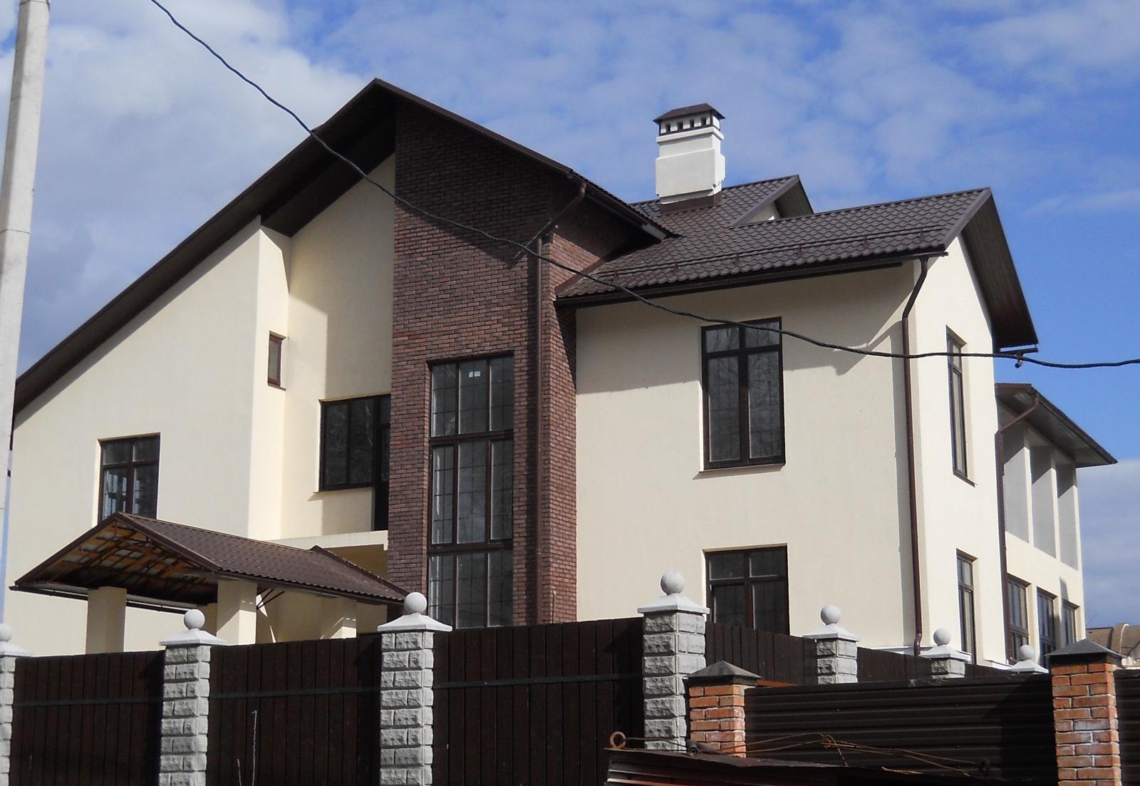 Отделка фасада частного дома.