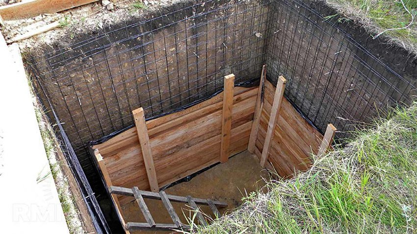 опалубка бетонного погреба