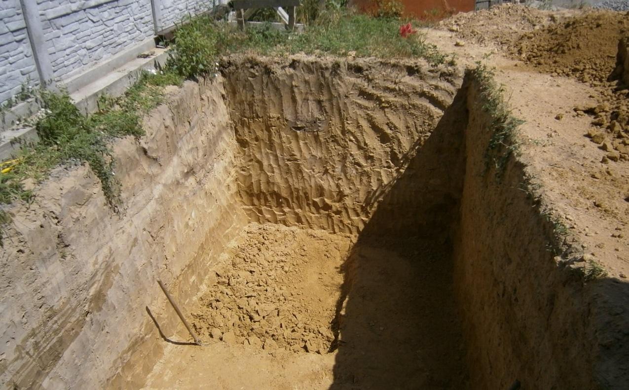яма для бетонного септика