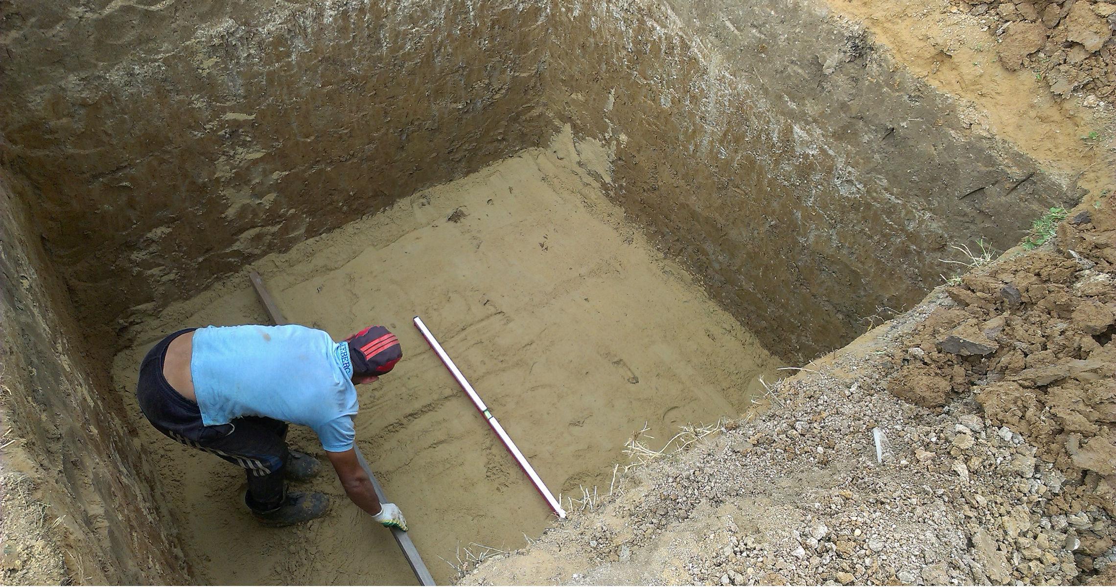 как залить пол в подвале бетоном своими руками