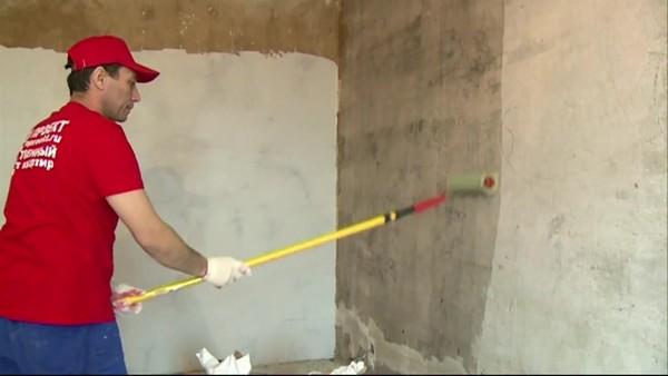 как приклеить гипсокартон к бетонной стене